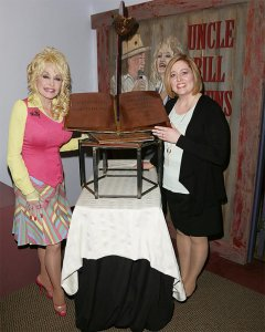 Dolly Parton & Dyane Smokorowski