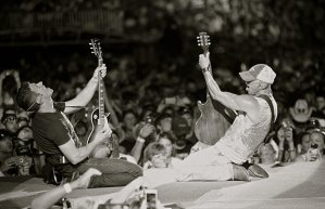 Kenny Chesney with guitarist Clayton Mitchell on August 1 at Arrowhead Stadium. Credit: Jill Trunnell