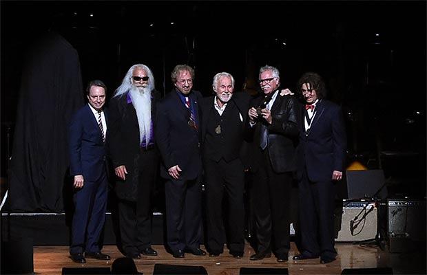 Jody Williams, Kenny Rogers & The Oak Ridge Boys / Photo by Rick Diamond / Getty Images