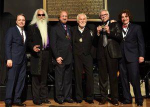 Jody Williams, Kenny Rogers & The Oak Ridge Boys / Photo by John Shearer / Getty Images