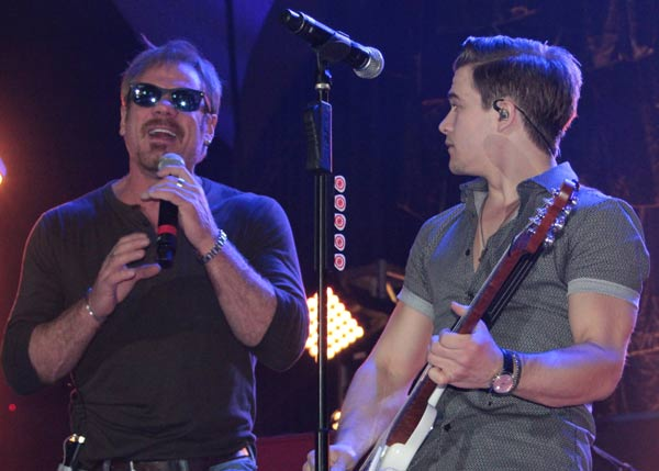 Phil Vassar & Hunter Hayes (courtesy of Webster PR)