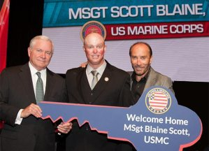 Dr. Robert Gates, 22nd Secretary of Defense, MSgt Scott Blaine, Lee Greenwood (courtesy of Webster PR)